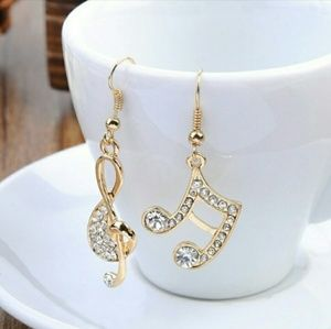 Jewelry - 🆕😎Gold Cystal Music Note Charm Earrings